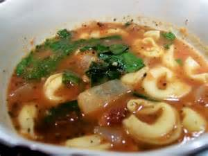 Garlicky Tortellini, Spinach & Tomato Soup